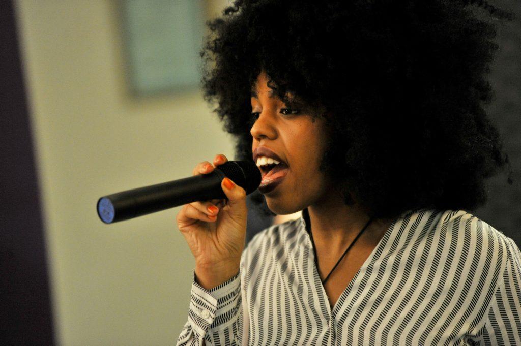 Lydia 01 Singer
